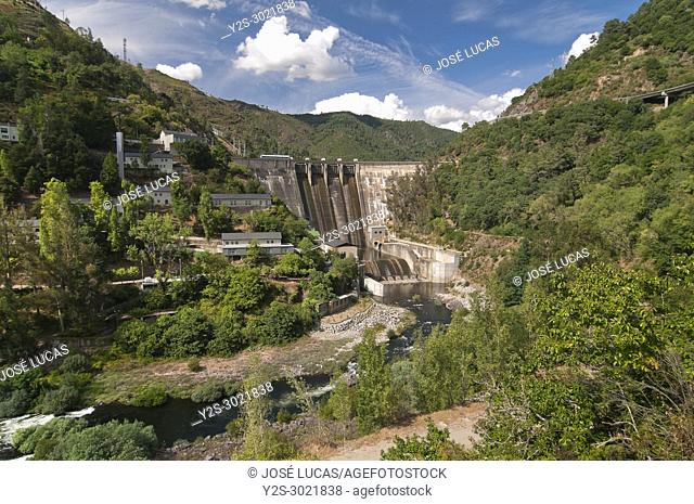 Peares reservoir dam, Orense/Lugo province, Region of Galicia, Spain, Europe