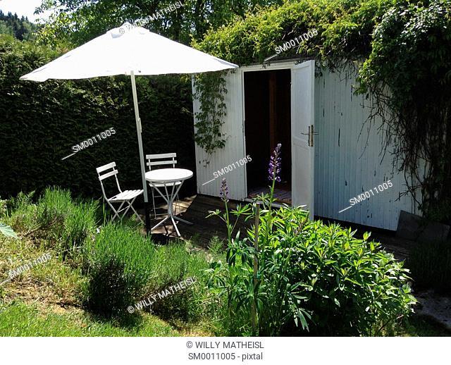 romantic hideaway in garden