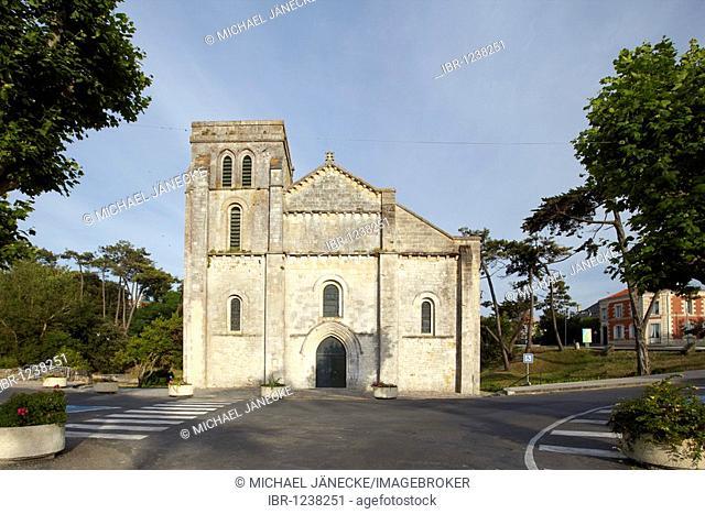 Basilique Notre-Dame-de-la-fin-des-Terres de Soulac-sur-Mer, Soulac-sur-Mer, Gironde, Aquitaine, Southern France, France, Europe