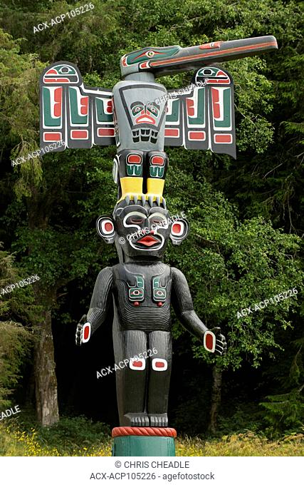 Totem Pole at Tsatsisnukwomi First Nations Village, also called New Vancouver, Broughton Archipelago, off northern Vancouver Island, British Columbia, Canada