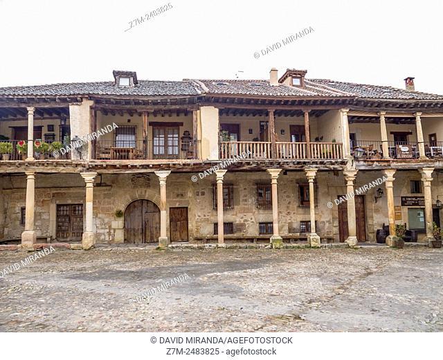 Plaza Mayor porticada, Pedraza. Conjunto histórico. Segovia province. Castile-Leon. Spain