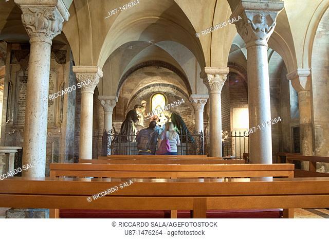 Italy, Emilia Romagna, Modena, Duomo Cathedral, Crypt