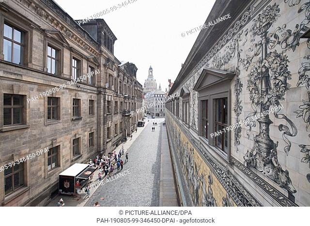 05 August 2019, Saxony, Dresden: The windows of the Lange Gang, a historical link to the once royal riding stable in Dresden's Residenzschloss