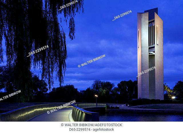 Australia, Australian Capital Territory, ACT, Canberra, National Crillon, Lake Burley Griffin, dawn