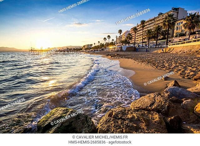 France, Alpes Maritimes, Cannes, public beach of Midi on the west of Suquet