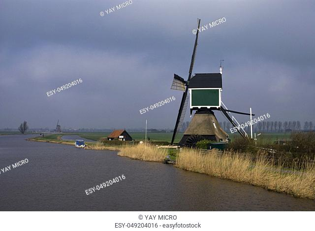 Windmill the Achterlandse molen near the Dutch village Groot-Ammers in the region Alblasserwaard