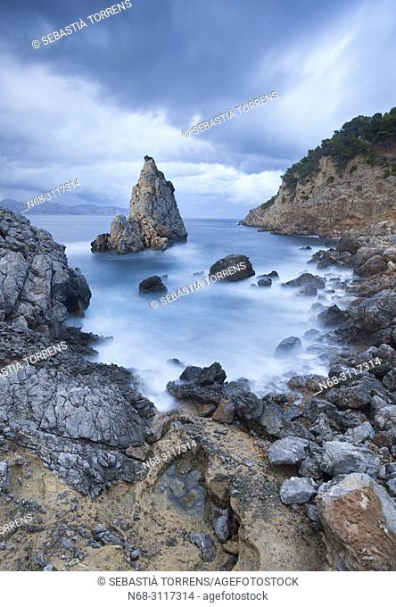 Es Niu de s'Aguila under storm, Alcudia, Majorca, Balearic Islands, Spain