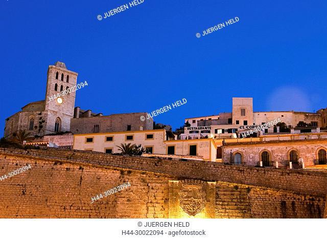 Spain, Baleares island, Ibiza, Dalt vila fortress at night