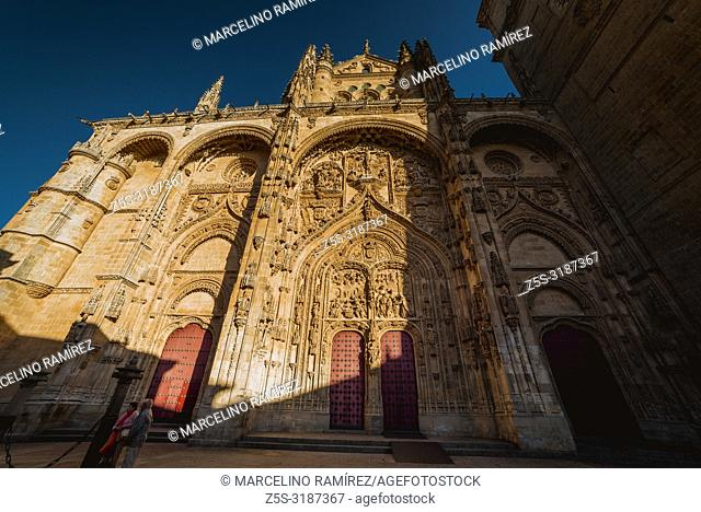Main facade of the New Cathedral. The New Cathedral is, together with the Old Cathedral, one of the two cathedrals of Salamanca, Castilla y Leon, Spain, Europe