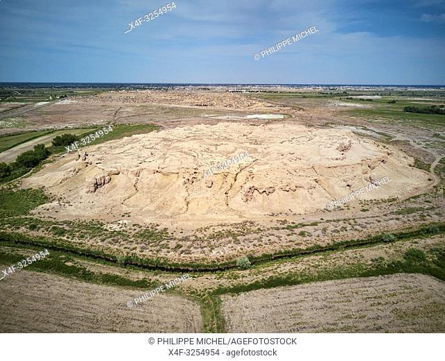 Ouzbekistan, region de Karakalpakstan, les citadelles du desert, ancienne ville de Mizdakhan / Uzbekistan, Karakalpakstan province, desert citadel