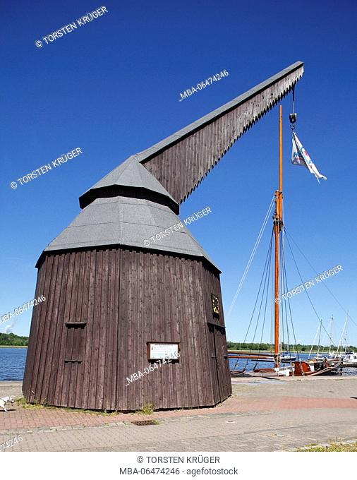 Europe, Germany, Mecklenburg-West Pomerania, Rostock, old wooden harbour crane at the Warnow