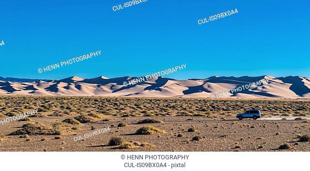 Khongor sand dunes or singing sands, Gobi desert, Mongolia