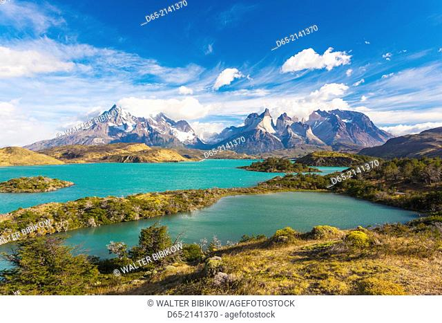 Chile, Magallanes Region, Torres del Paine National Park, Lago Pehoe, morning landscape
