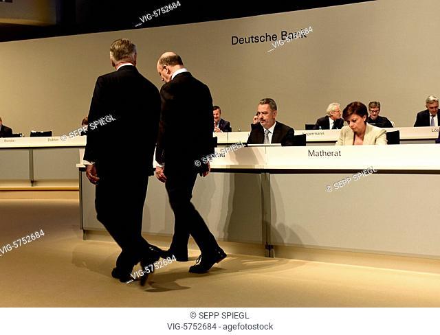 Germany, Frankfurt, 18.05.2017 Vorstandsvorsitzenden John CRYAN (re) und Aufsichtsratsvorsitzender Paul Achleitner, vor der Hauptversammlung - Frankfurt