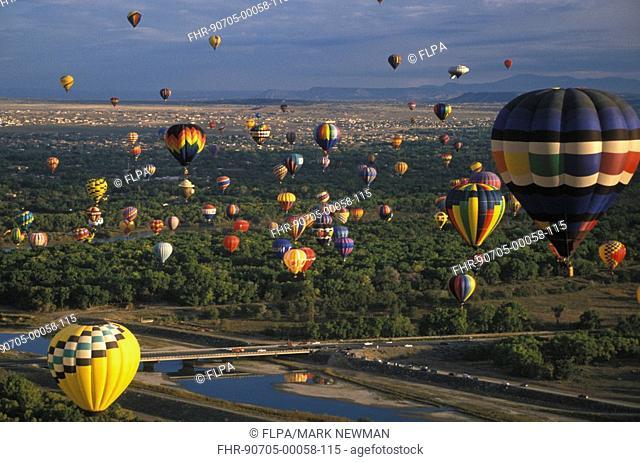 Sports & Pastimes Balloning - 30th Annual Albuquerque Int'l Balloon Fiesta - New Mexico