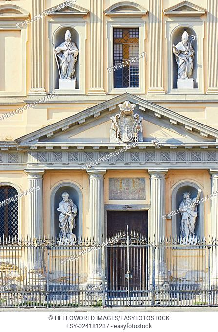 Facade of Santa Croce e Purgatorio al Mercato church, closed since the 1980 earthquake, Piazza Mercato, Naples, Campania, Italy, Europe