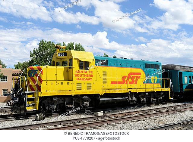 Santa Fe Southern Railway diesel locomotive at Santa Fe railroad station, New Mexico, USA