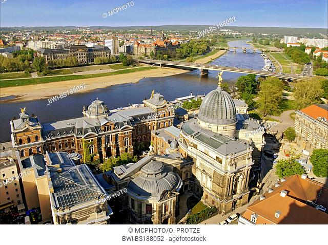 historic old town of Dresden with the Elbe River in the background, Germany, Saxony, Dresden