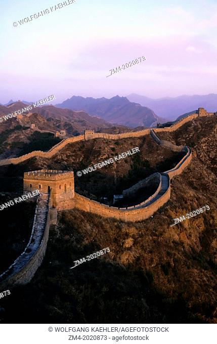 CHINA, NEAR BEIJING, GREAT WALL AT JINSHANLING