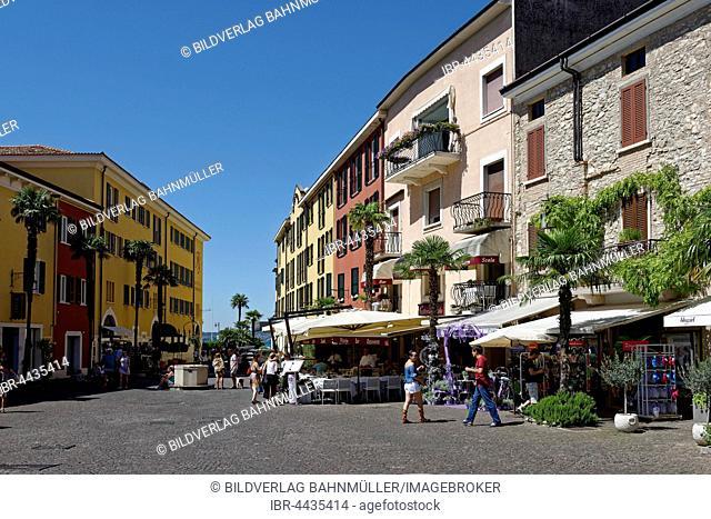 Piazza Castello, Sirmione, Lake Garda, Lombardy, Italy