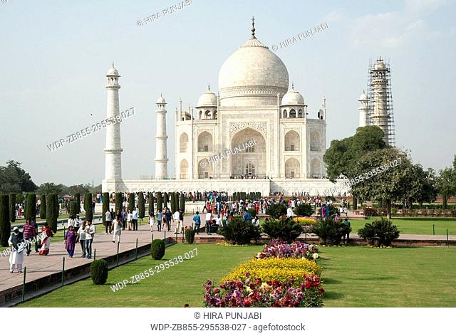 The image of Taj Mahal was taken in Agra, Uthar Pardesh, India