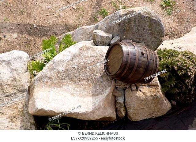 Wasser aus dem Holzfass