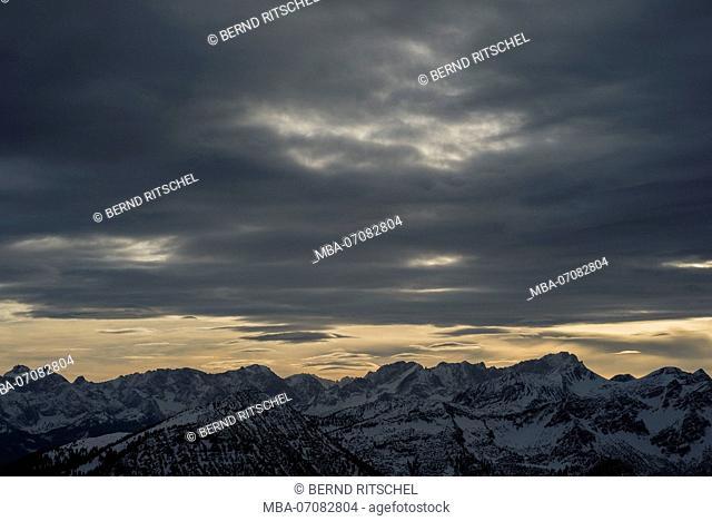View from Herzogstand on Wetterstein mountain with Zugspitze, Bavarian Alps, Bavaria, Germany