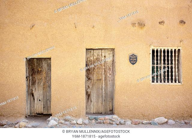 The Oldest House, Santa Fe, New Mexico, 800 yr old adobe house considered to be the oldest house in the united states