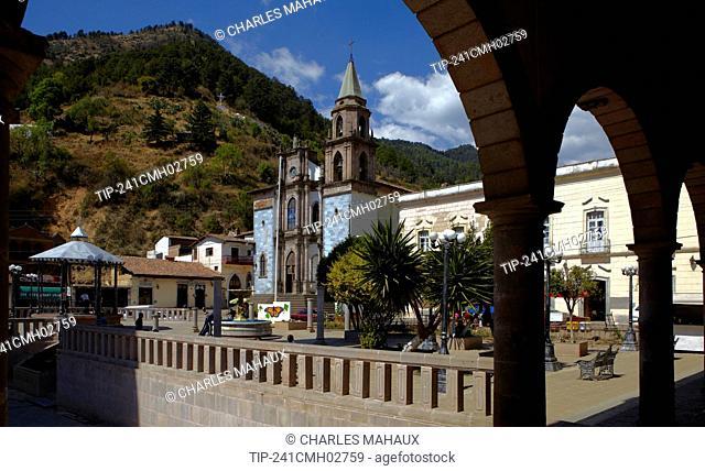 America, Mexico, Michoacán state, Angangueo village, square