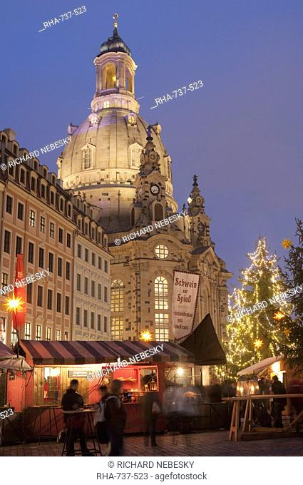 Christmas Market stalls in front of Frauen Church and Christmas tree at twilight, Neumarkt, Innere Altstadt, Dresden, Saxony, Germany, Europe
