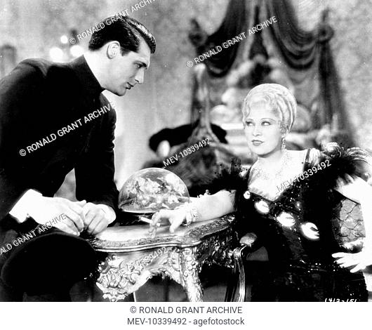 SHE DONE HIM WRONG PARAMOUNT PICTURES CARY GRANT, MAE WEST