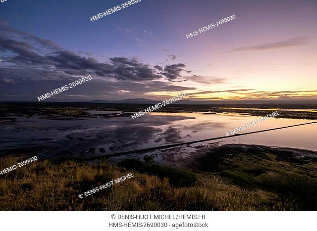 Kenya, lake Magadi, Rift, at dawn