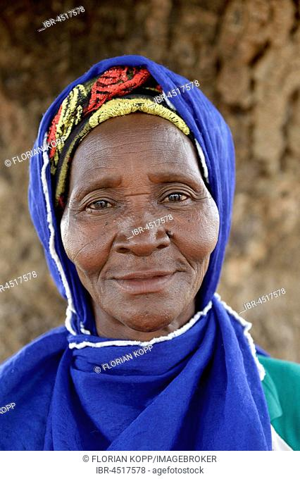 Old Woman, portrait, Toeghin Village, Oubritenga Province, Plateau Central, Burkina Faso