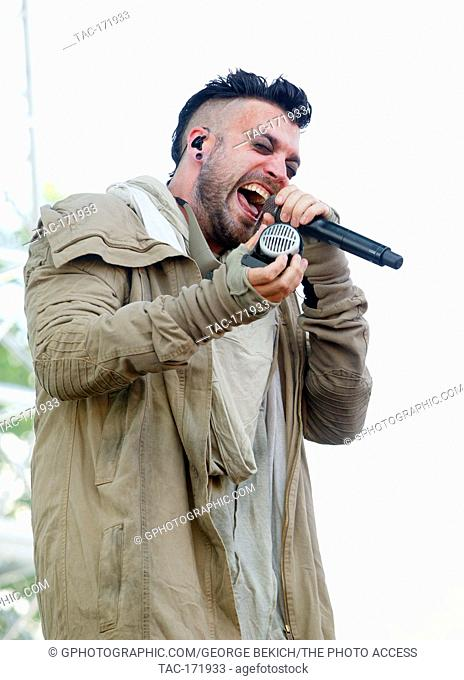 Dustin Bates Leadsinger for Starset performs at Inkcarceration 2019