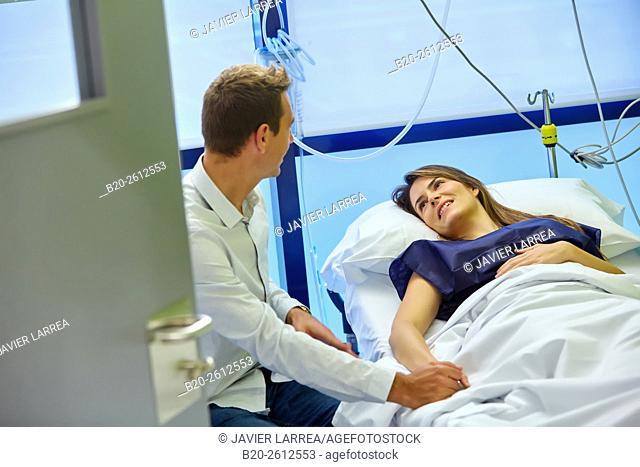 Couple, Hospital room, ARU, Assisted Reproduction Unit, IVF, In Vitro Fertilization, Intra Cytoplasmic Sperm Injection, Hospital, Donostia, San Sebastian