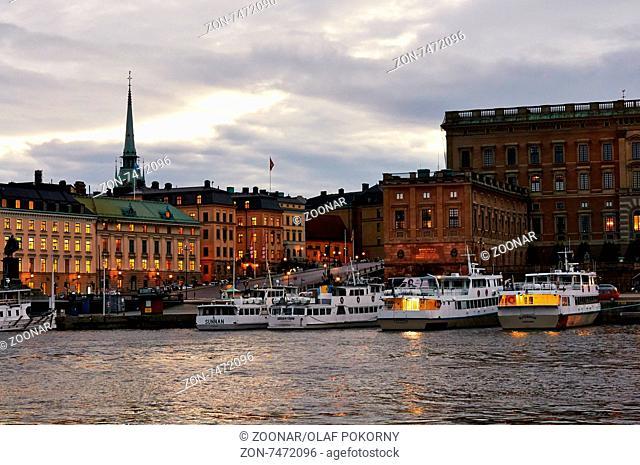 Blick vom Strömkajen zur Gamla Stan, Stockholm, Schweden. View from Strömkajen to Gamla Stan, Stockholm, Sweden