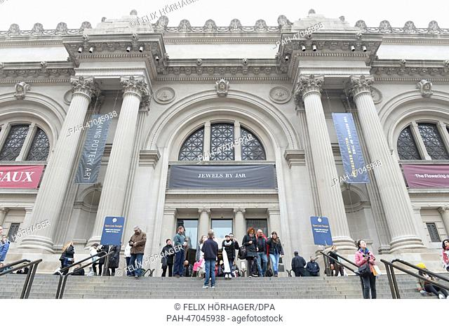 The entrance to the Metropolitan Museum of Art in New York City, USA, 08 March 2014. Photo: Felix Hoerhager | usage worldwide