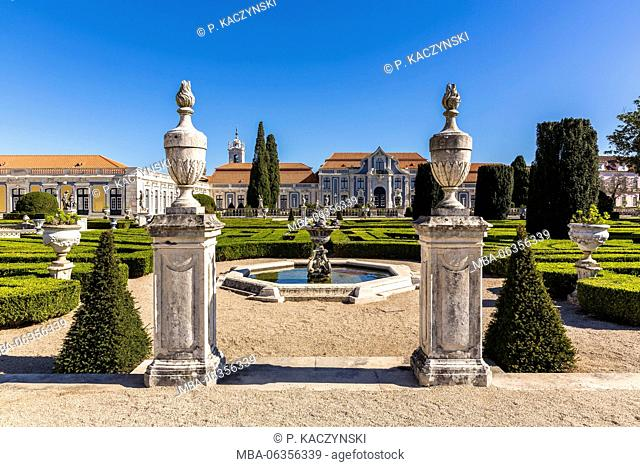 18th Century,Architecture,blue sky,Building Exterior,Colour Image,Day,Famous Place,fountain,No People,Outdoors,Palace,Pedestrian Walkway,Photography,Portugal