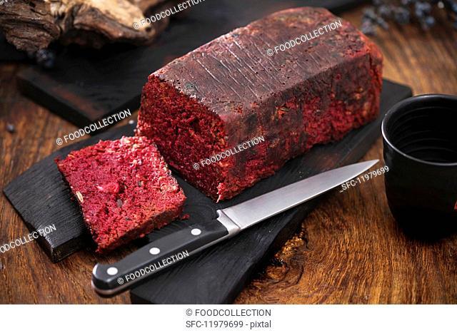 Meat pâté with beetroot