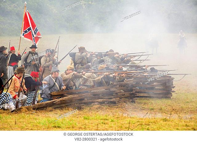 Confederate soldiers during battle re-enactment, Civil War Reenactment, Willamette Mission State Park, Oregon