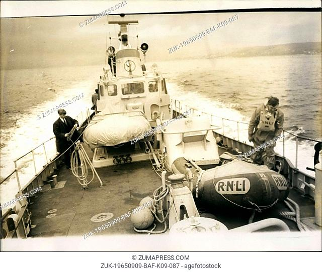 Sep. 09, 1965 - New All Steel lifeboat on show for the first time on the firth of Cylde: For the first time yesterday on the Firth of Clyde, Scotland