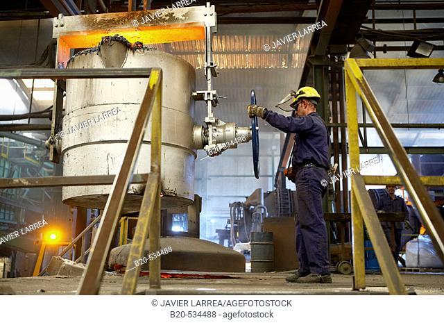 Fundiciones Urbina, Fabricacion de piezas de hierro en fundicion gris con grafito esferoidal y laminar, Legutiano, Araba, Euskadi / Foundry