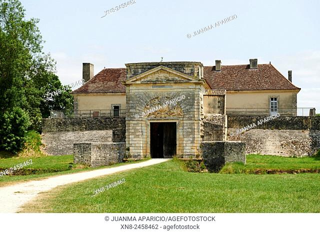Cussac Fort Médoc, fortress built by Vauban in the XVIIc. , in front of Blaye, to defend the entrance of the estuary of the Gironde. Aquitaine, France