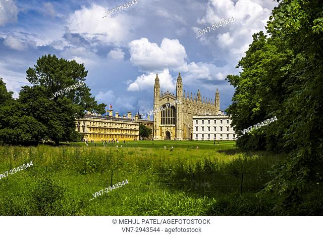 King's College Cambridge, with the Chapel in the centre of image and Clare College (left), Cambridge, England, UK
