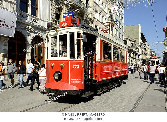 Historic tramway, shopping street of Istiklal Caddesi or Istiklal Street