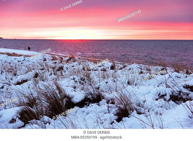 Sunset, beach, the Baltic Sea, winter, Darss, Western Pomerania Lagoon Area National Park, Germany