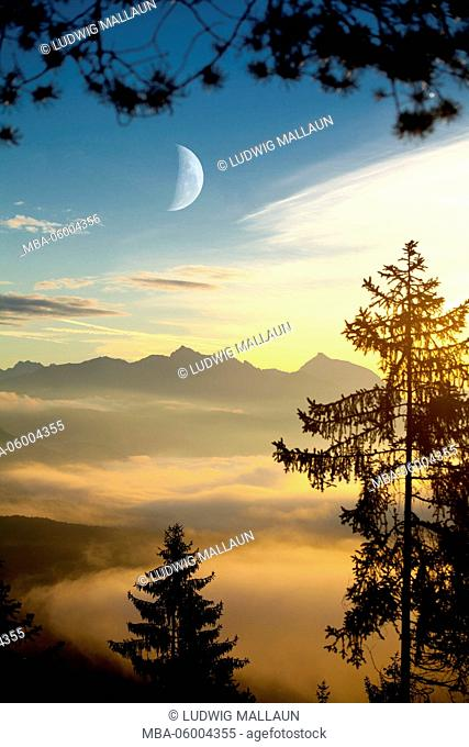 Austria, Tyrol, Karwendel, sunrise with Solstein (mountain)