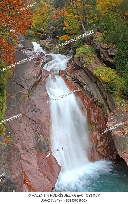 autumn landscape in the ravine La Larri in Pineta valley. National Park Ordesa and Monte Perdido. Huesca