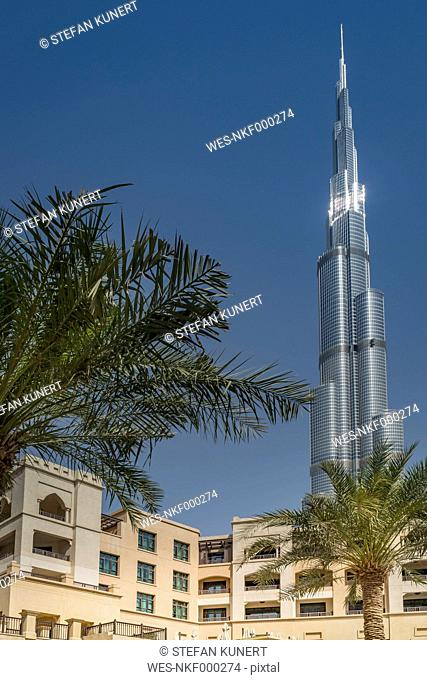 United Arab Emirates, Dubai, residential area at Souk al Bahar with Burj Khalifa in the background