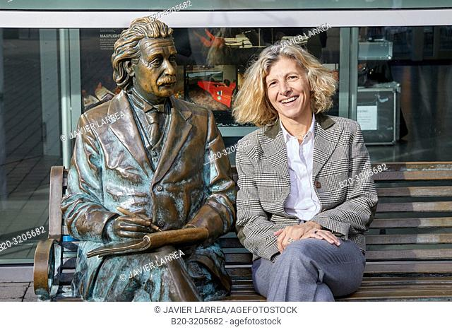 Mairi Sakellariadou (researcher of gravitational waves), 10th edition of 'Top @ DIPC-Zientziarekin Solasean', organized by the Donostia International Physics...